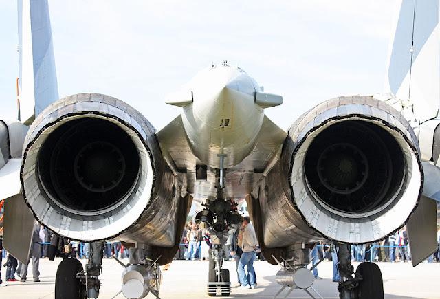Sukhoi Su-35 motors