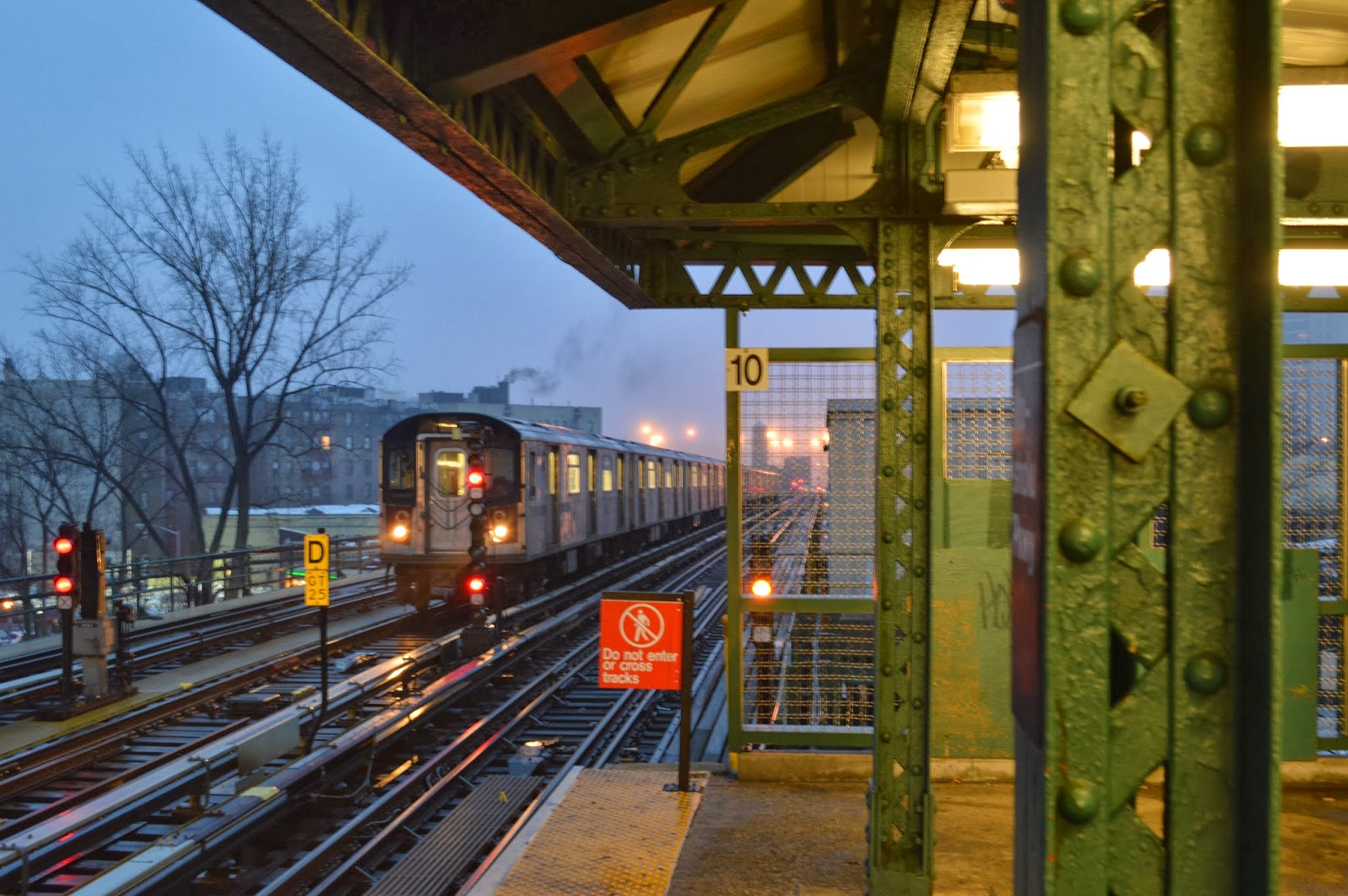 Photo of Mosholu Parkway train station
