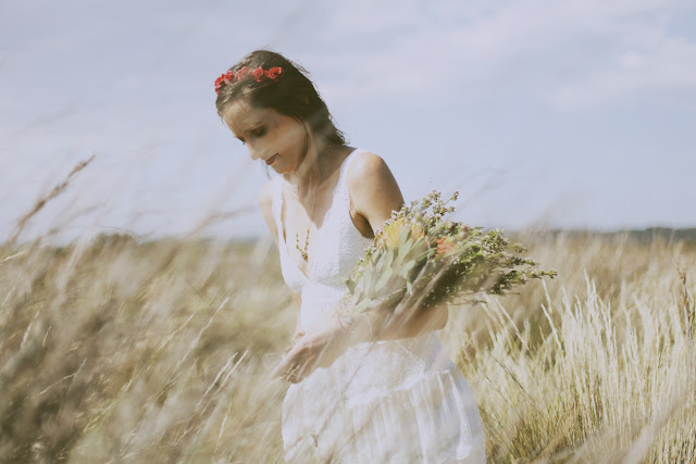 romantic bride melbourne tall grass