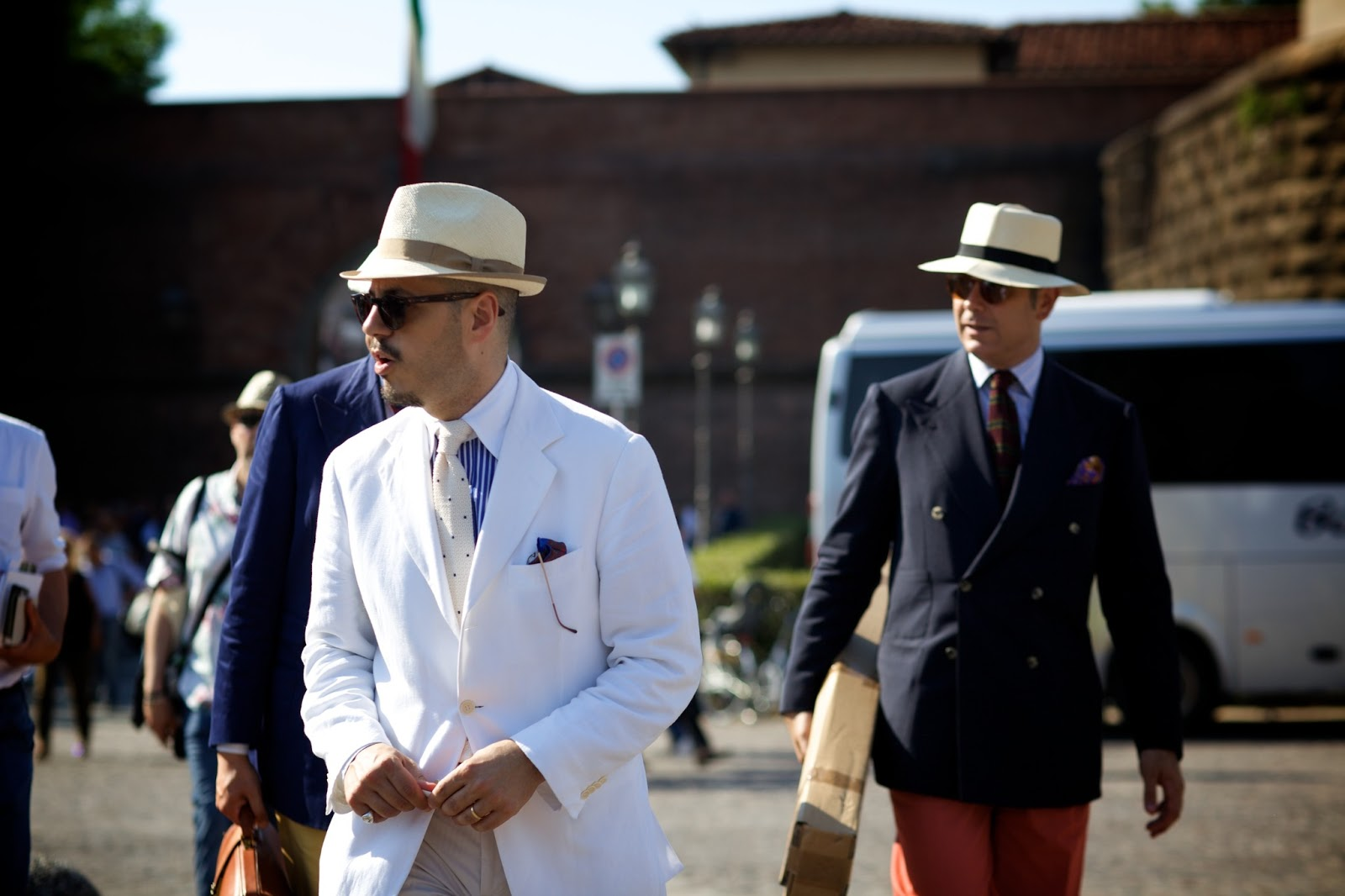 7438e75505b4dc The gent in front of the trio in a white summer jacket, crisp white  contrasting shirting and a Summer hat