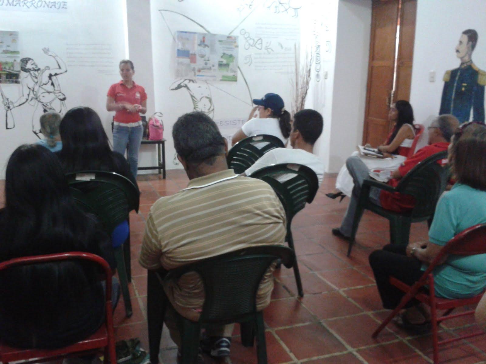 Entes públicos y privados de Guarenas aprenden cómo ahorrar energía eléctrica