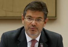 Catalá no ve conflicto de intereses en fichar por el bufete que defiende a Renfe y Adif