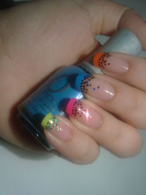 idea nail art con colori smalti orly fluo feel the vibe 01