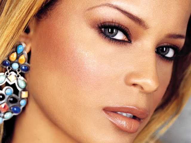 Blu Cantrell Biography and Photos 2011