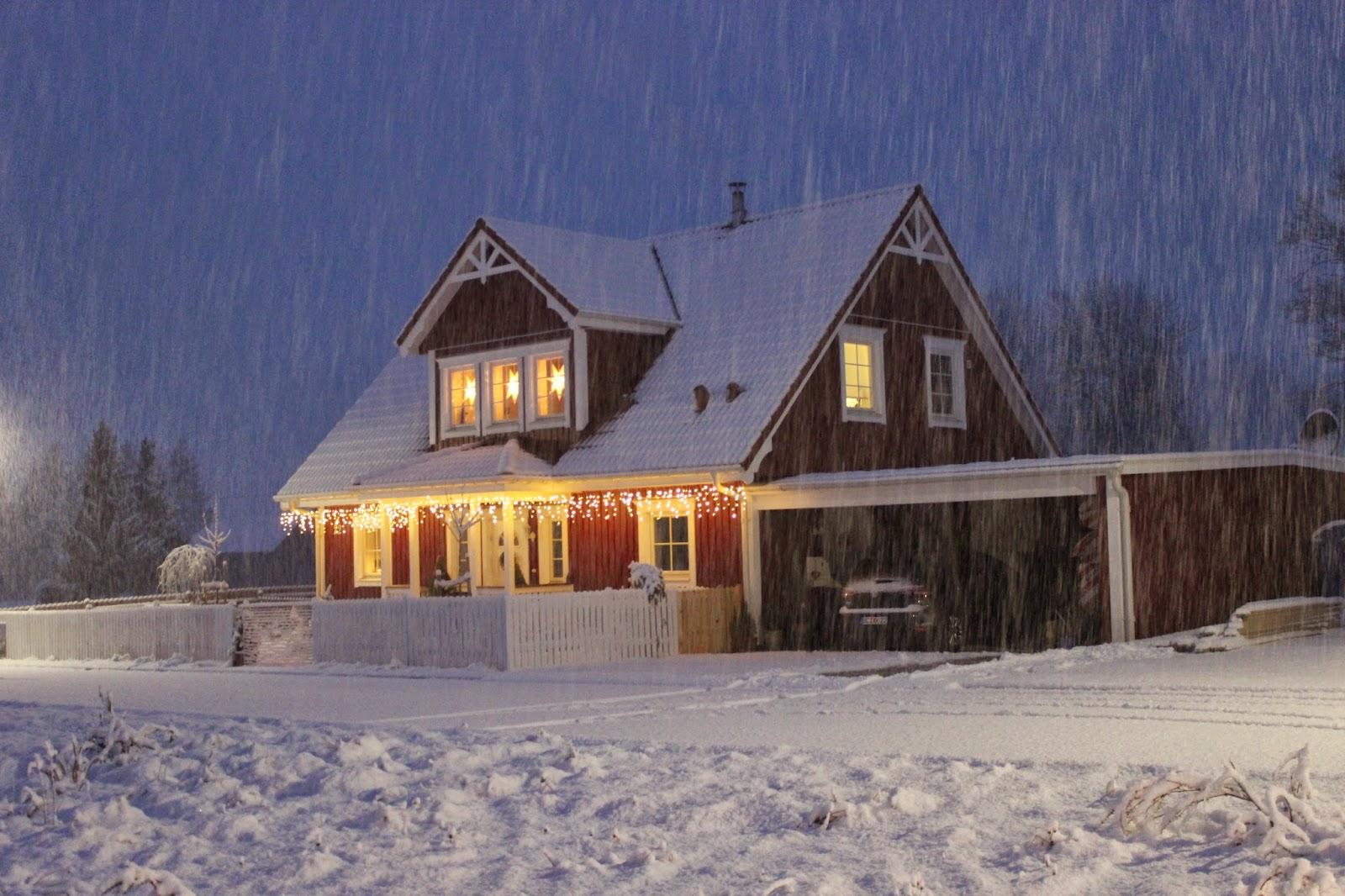 kleine lotta unser schwedenhaus schnee. Black Bedroom Furniture Sets. Home Design Ideas