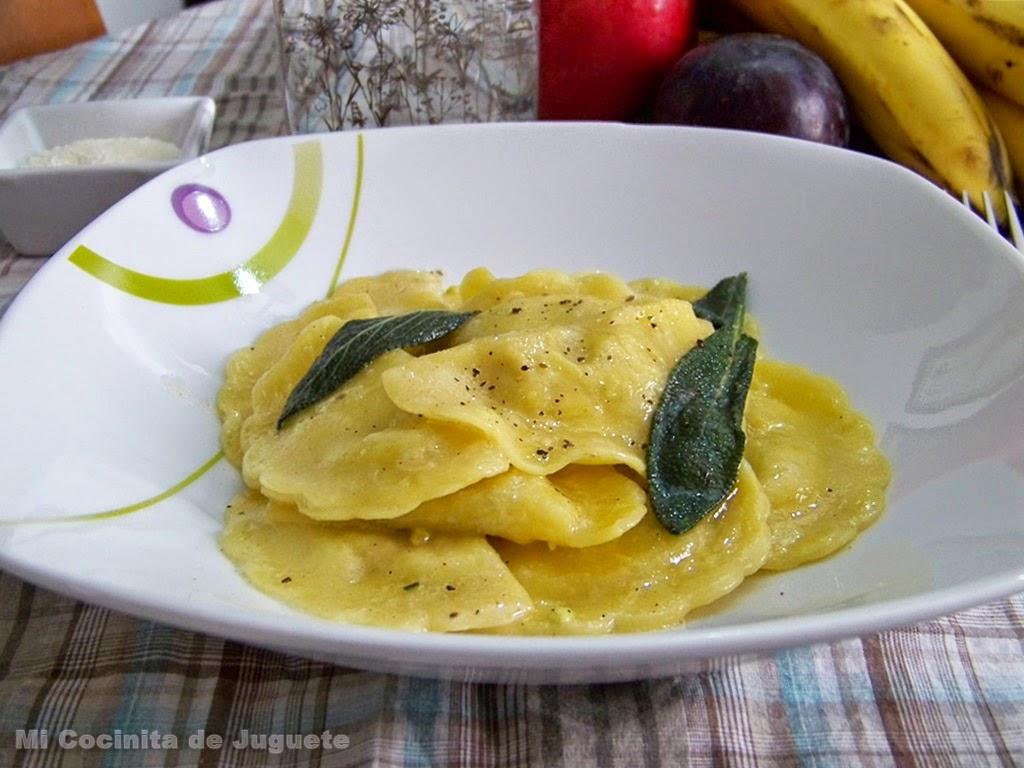 Ravioli con Mantequilla y Salvia