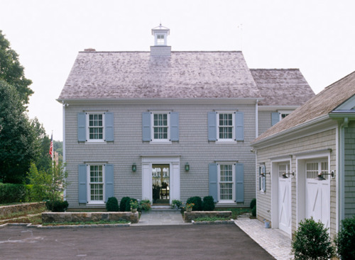 A vintage junket beautiful cottage homes for Beautiful classic houses