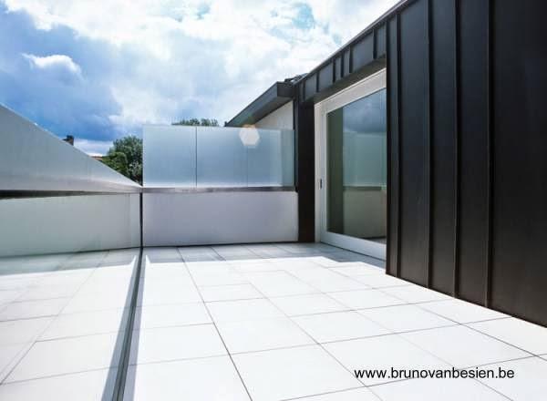 Terraza de la vivienda hacia los fondos