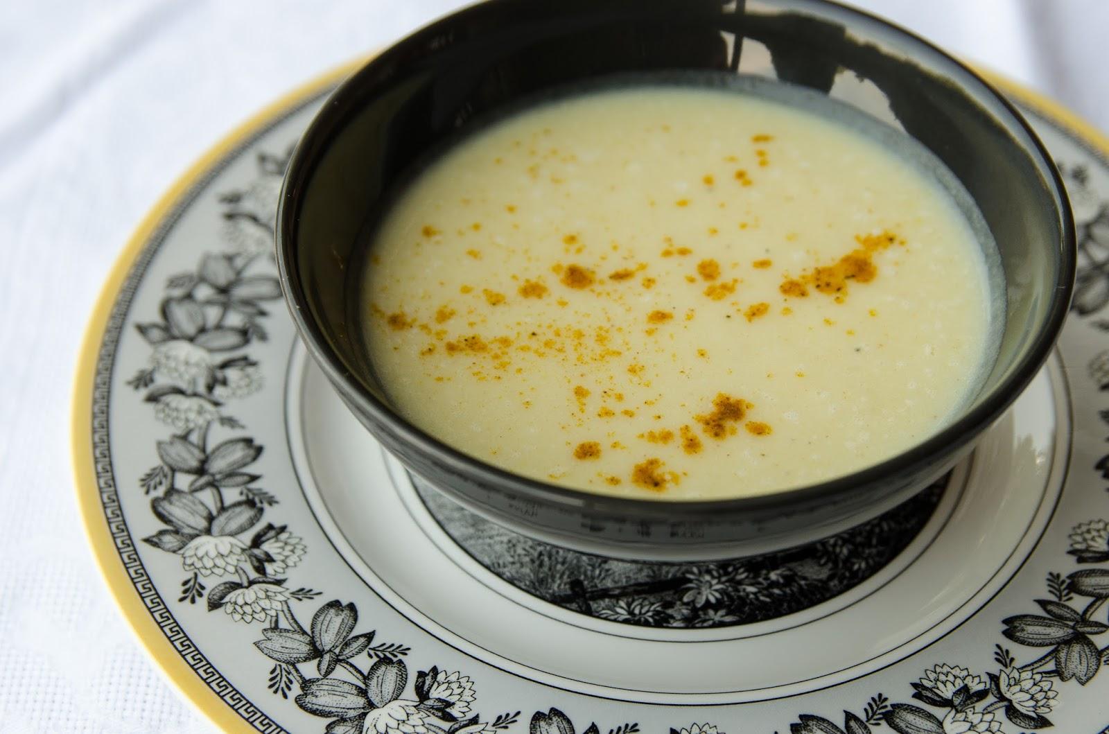crema-fría-manzanas-curry-recetas-fáciles-bruja