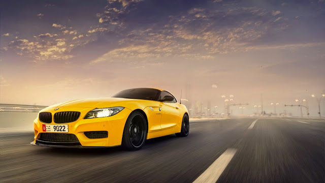 BMW Z4 Amarillo