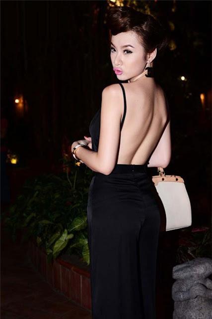 Angela Phương Trinh theo đuổi hình ảnh gợi cảm, quyến rũ với lợi thế thân hình chuẩn S-line.