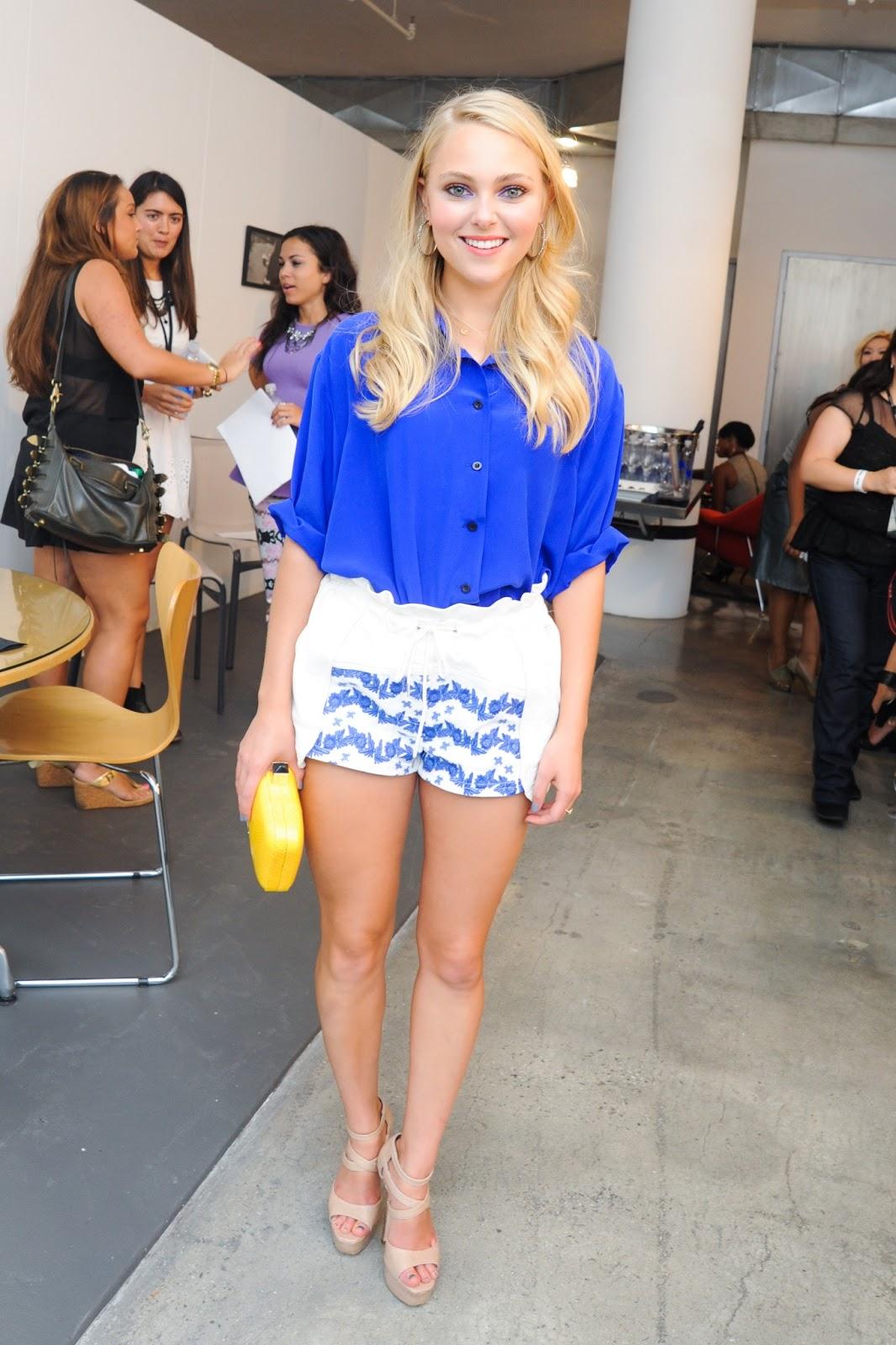 Kelli Berglund Legspedia - Rainpow.Com