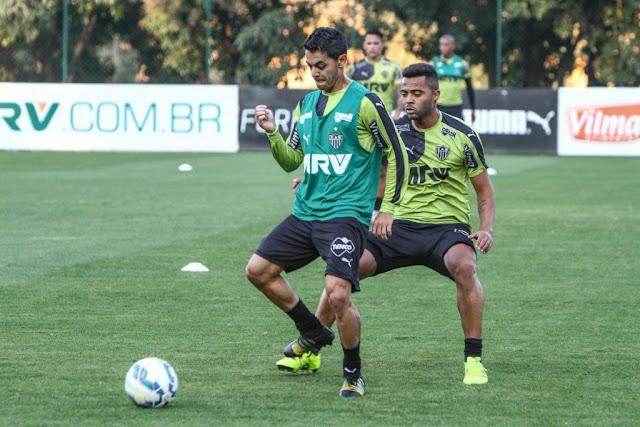Josué deve ficar com a vaga de Rafael Carioca, suspenso (Foto: Bruno Cantini/Atlético-MG)
