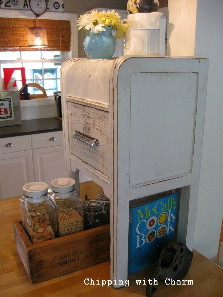 Chipping with Charm: Junky Kitchen Reveal...http://www.chippingwithcharm.blogspot.com/