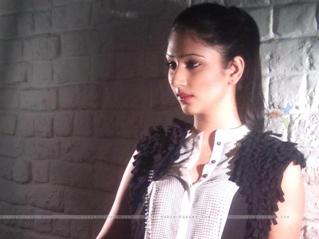Watch Disha Parmar 2012 video