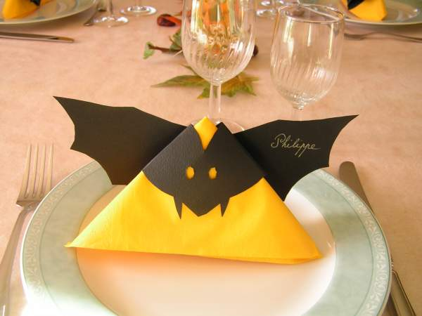 Costumes passion id es de costumes pour tous les themes for Decoration de table halloween