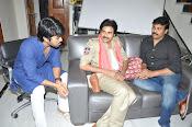 Pawan Kalyan Meets Chiranjeevi-thumbnail-4