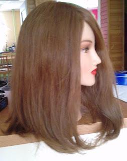 Wycieniuj włosy koleżance. Instruktaż