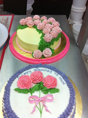 Wilton Cake Decorating Classes Uk : Home May de Cakes: Wilton Cake Decorating Course 1 ...
