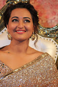 Sonakshi Sinha at Lingaa Audio-thumbnail-8