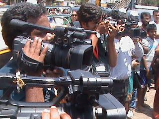Media flocks to document Wall Art by Hemant Sonawane