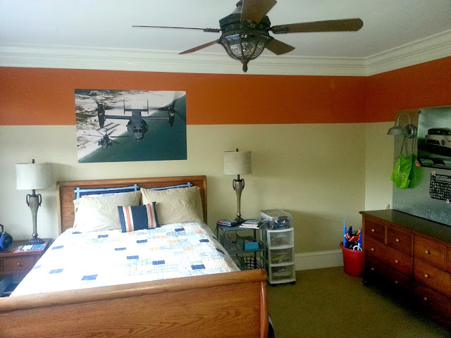 teen-boys-room-wide-stripe-painted-on-wall