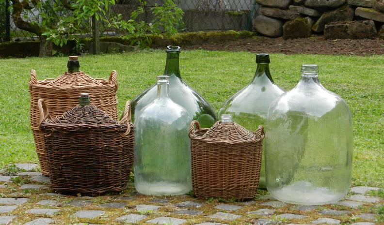 les collections de wab 7 bouteilles verreries flacons. Black Bedroom Furniture Sets. Home Design Ideas