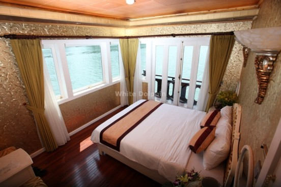 Deluxe Cabin - White Dolphin Cruise