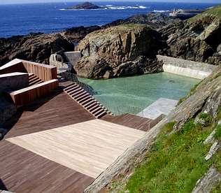 Piscinas de agua salada tapia de casariego asturias for Piscinas asturias