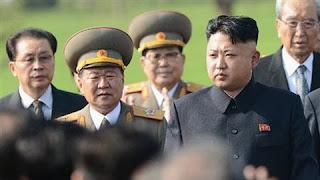Choe Ryong-hae và Kim Jong-un
