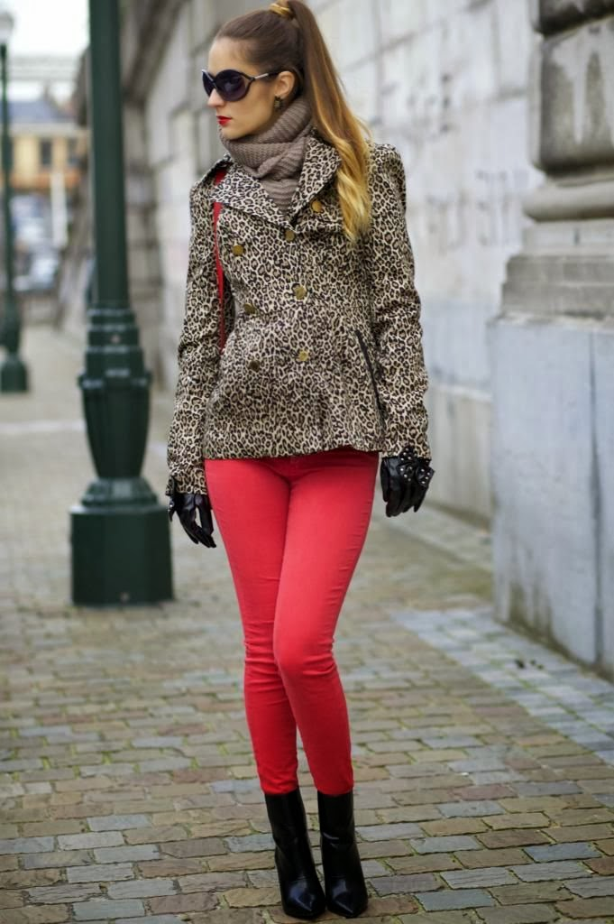Leopard Jacket With Light Grey Scarf, Pink Leging And Black Boot