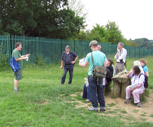 Matt Johnson addressing the group at the top of the quarry.  City of London Commons outing to Riddlesdown Quarry, 2 July 2011.