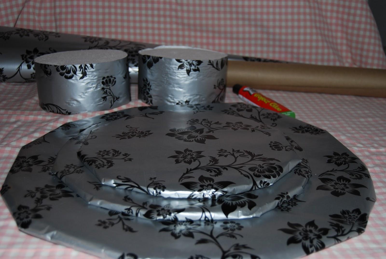 mom lilly cupcake stand diy. Black Bedroom Furniture Sets. Home Design Ideas