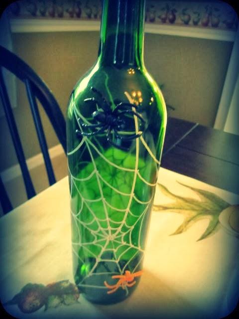 Coastalpines spider wine bottle craft halloween craft swap for Lighted wine bottle craft