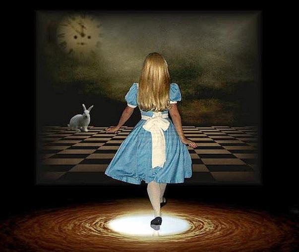 Sebirblu luglio 2013 - Alice dietro lo specchio ...