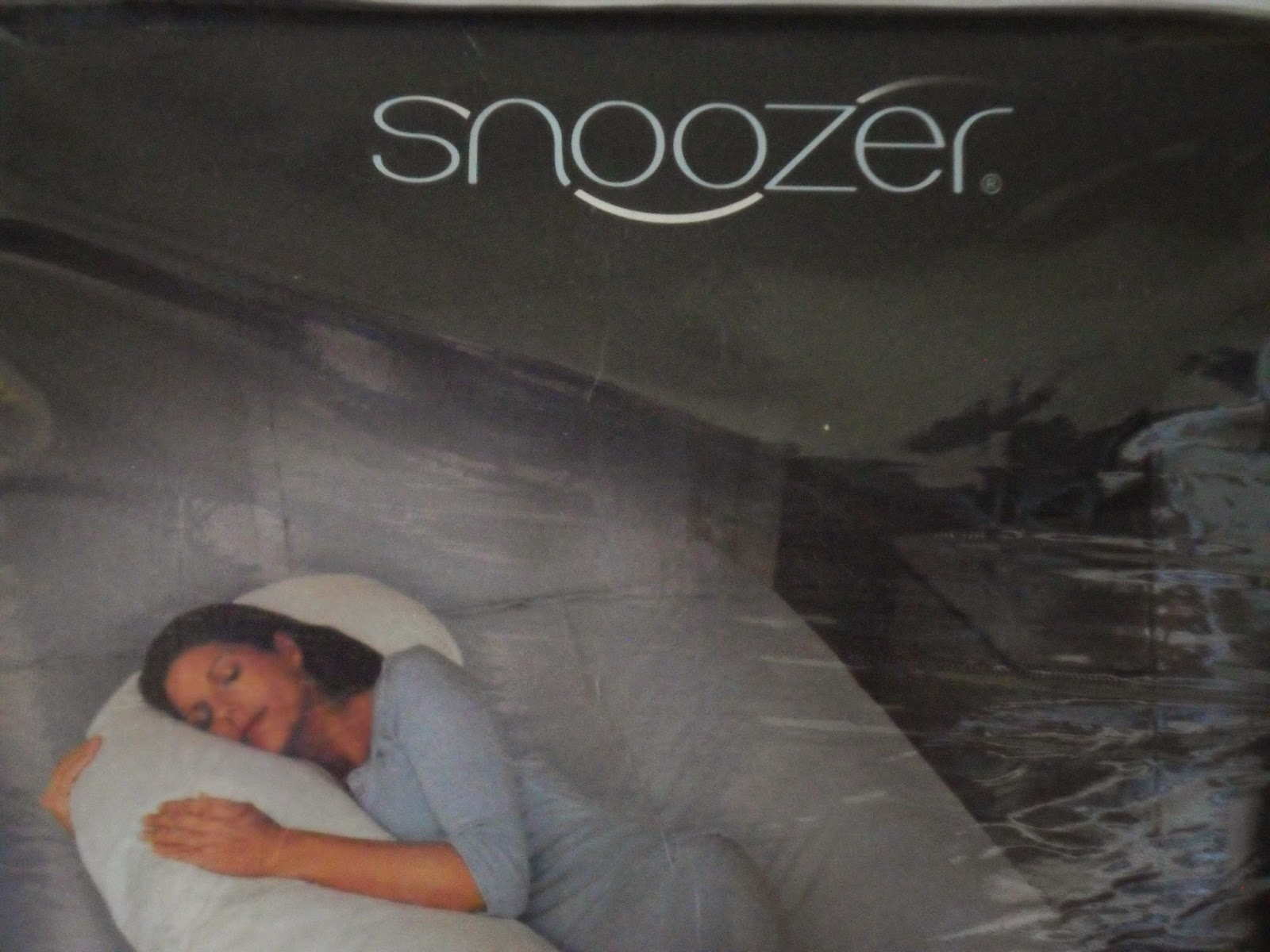 Pregnancy Problems: Third trimester and sleeping comfy. Snoozer Full Body Pillow. Achoo Allergy.com Review.