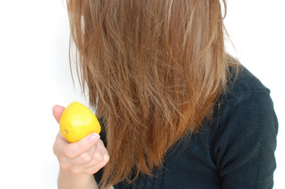 Rambut anda berbau walaupun selepas dibasuh? Baca ini.