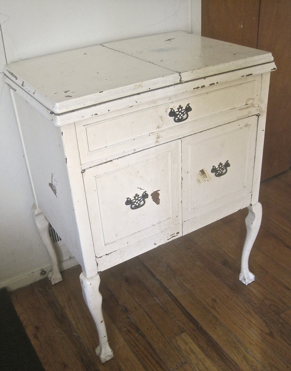 Sewing Machine Cabinet Makeover | The Project Lady