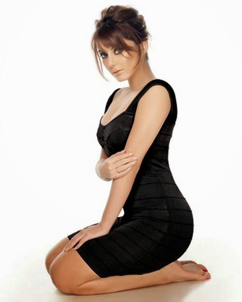 manissha lamba hot cleavage hd photo