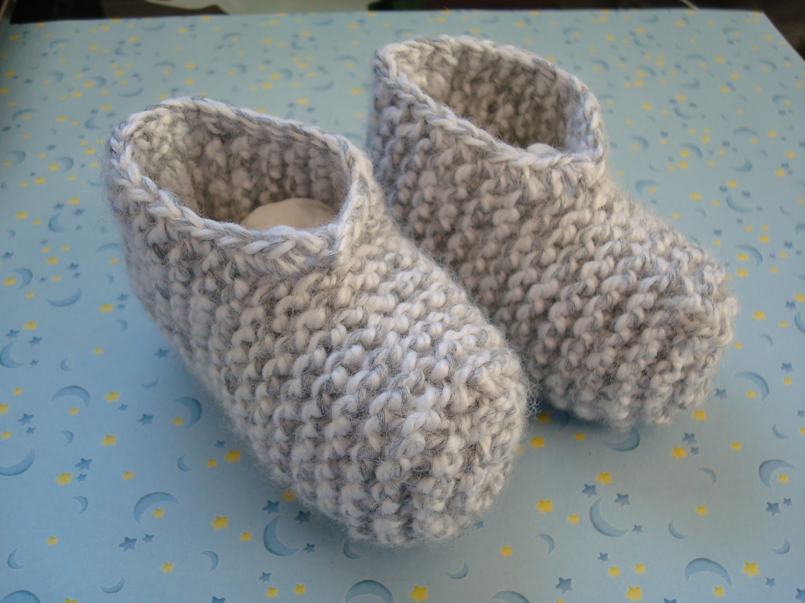 Adrialys Handmade Creations: Knitted Baby Shoes