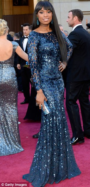 article 2284030 1841F5A9000005DC 388 310x638 Mega Photo Collection From The Oscars 2013