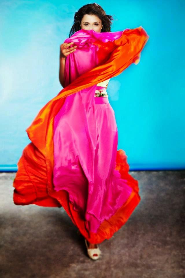 Parineeti Chopra looks very cute in her latest hot photoshoot HD pics