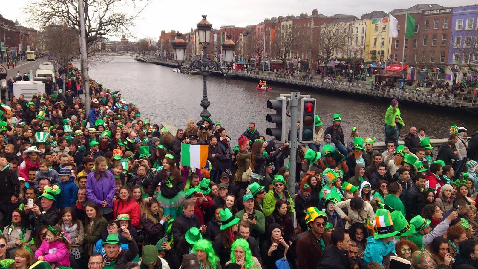 Felicidad por todas partes. Desfile de San Patricio en Dublín