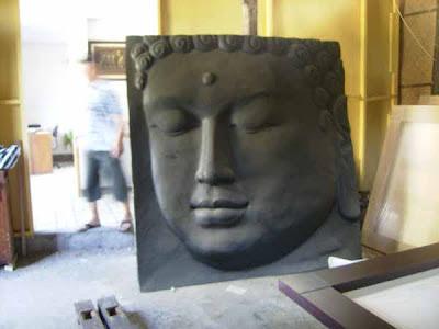 Relief Buddha dari bahan GRC berukuran besar