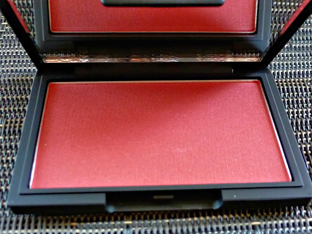 A picture of Sleek Make-Up Blush in Flushed