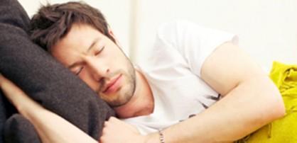دراسة أمريكية تكشف إعجاز السنة النبوية في النوم على الجانب الأيمن