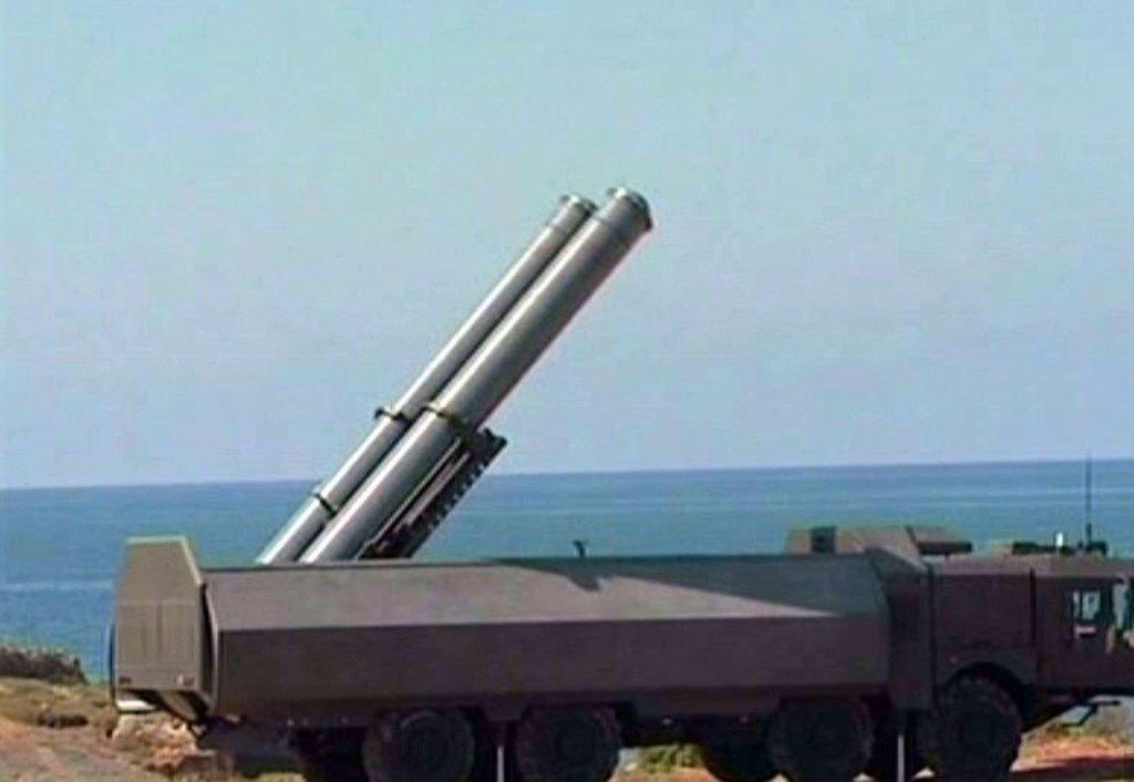 صفقات ضخمة للجزائر مع روسيا  - صفحة 4 Syrian+military+russian+P-800+3K55+Kh-61+OniksYakhont++SS-N-26+PJ-10+Brahmos+SS-N-26+Stallion+Bastion+E+Coastal+Defence+System+P-54K48++P-64+SS-N-3+SSC-1+SepalShaddock+Anti-Shipping+Cruise+Missile+%25281%2529