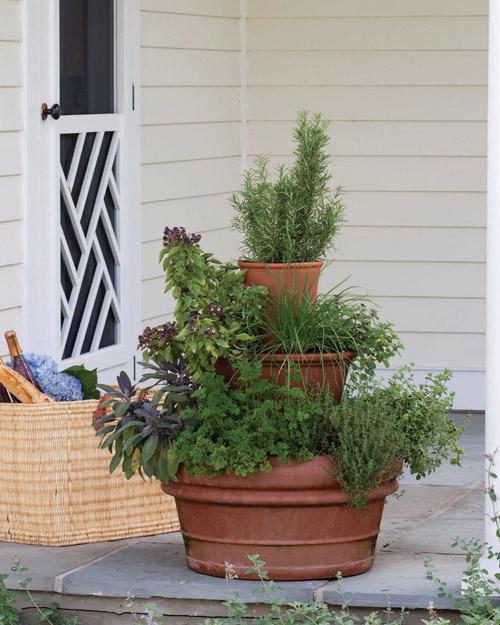 Diy Stacked Herb Garden: My Many Moments: Garden DIY