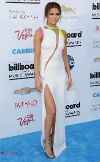 Selena Gomez Pictures in Long Dress at 2013 Billboard Music Awards  0009