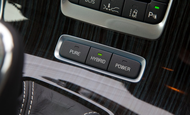 Volvo V60 PHEV plug-in hybrid mode buttons